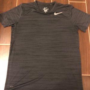 Nike dry fit athletic training shirt